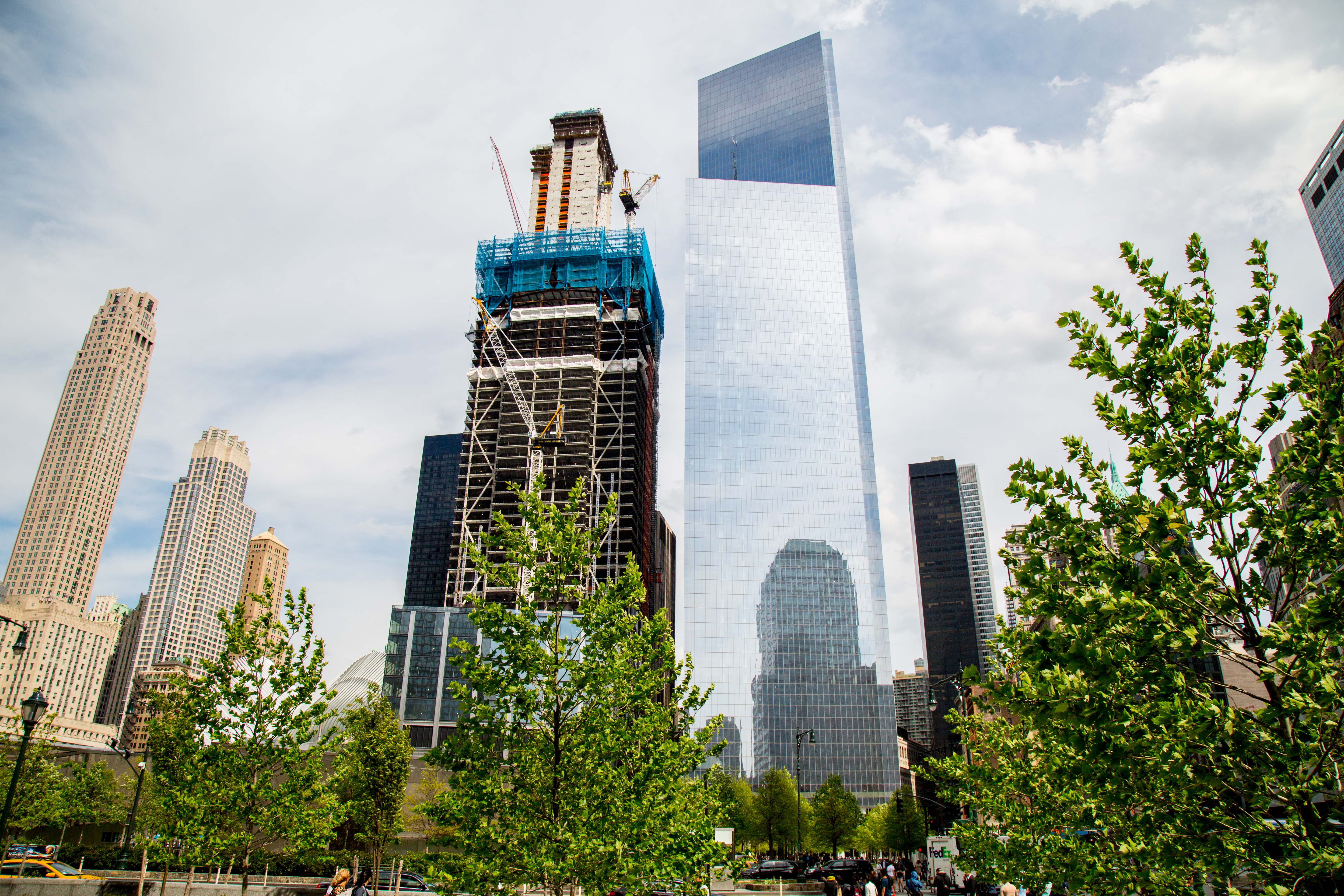 Skyscraper at Trade Center Rises From the Inside Out