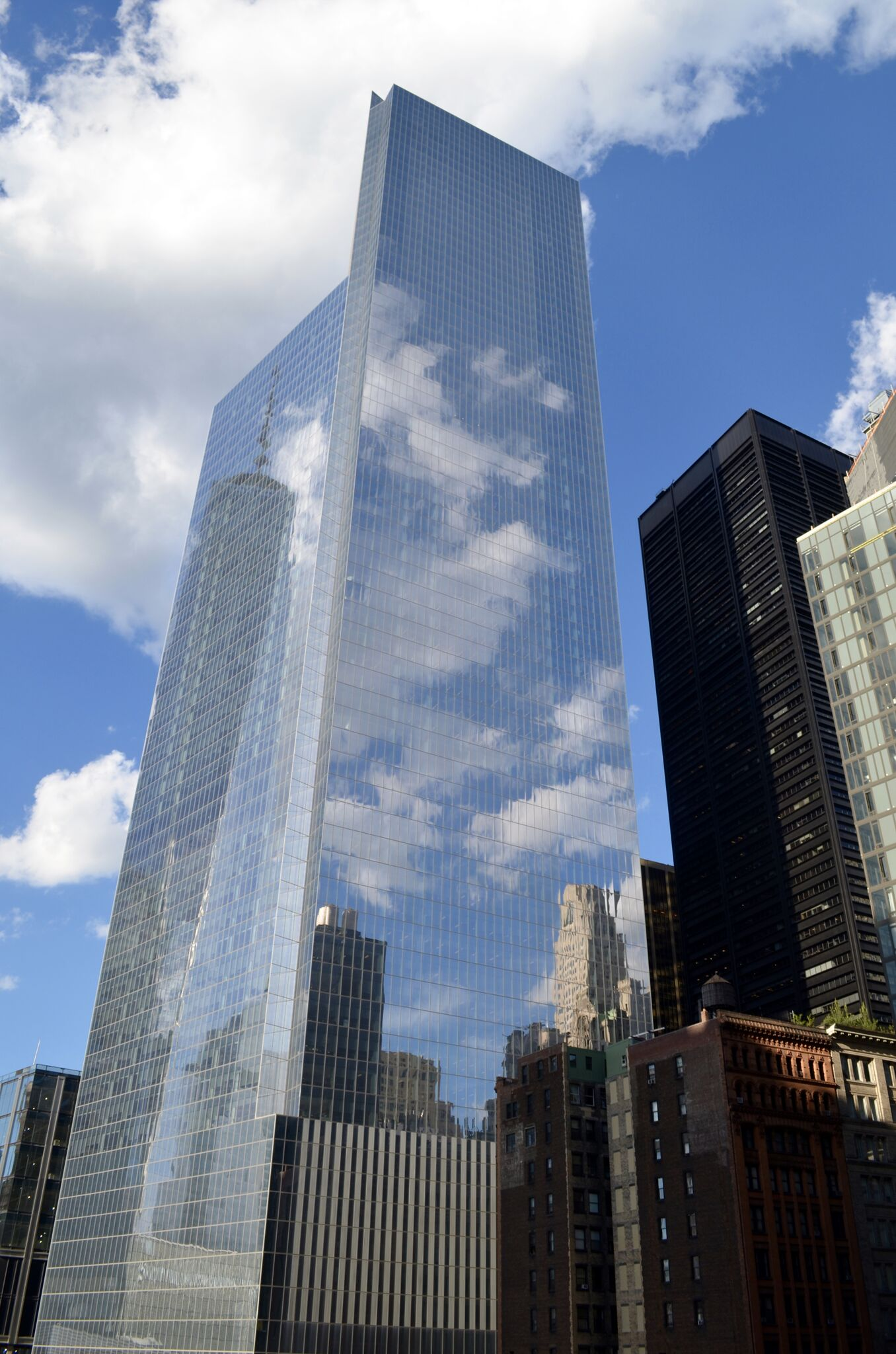 U.S. Division of Swiss Insurance Giant Headed for 4 WTC